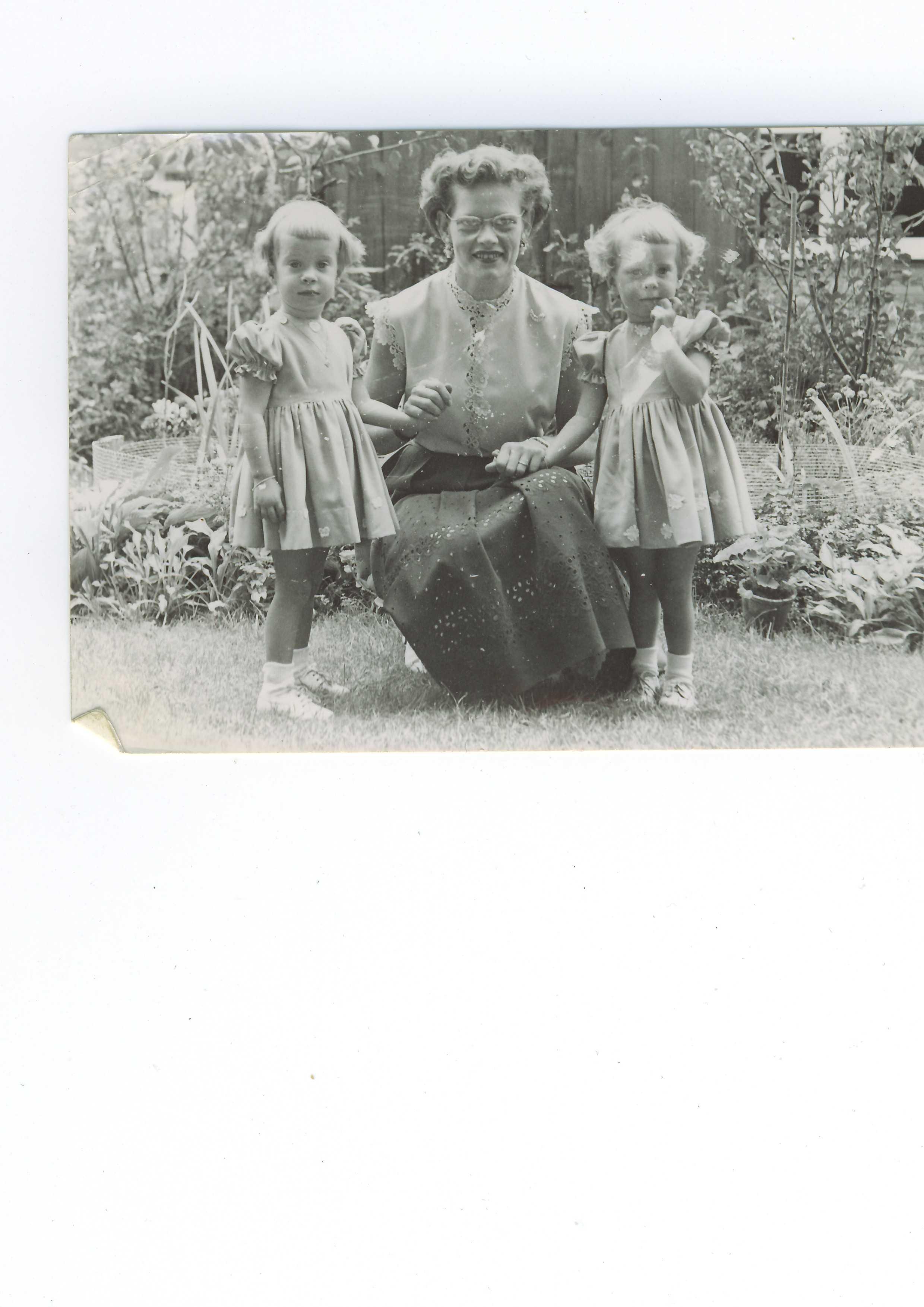 c93466fe603f86 De tweeling van Familie de Haan De tweeling van Familie de Haan.  Geuzenveld